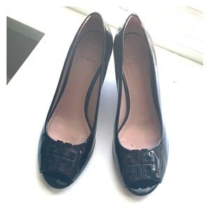 Tory Burch Size 7.5 Black Leather Patent Heel